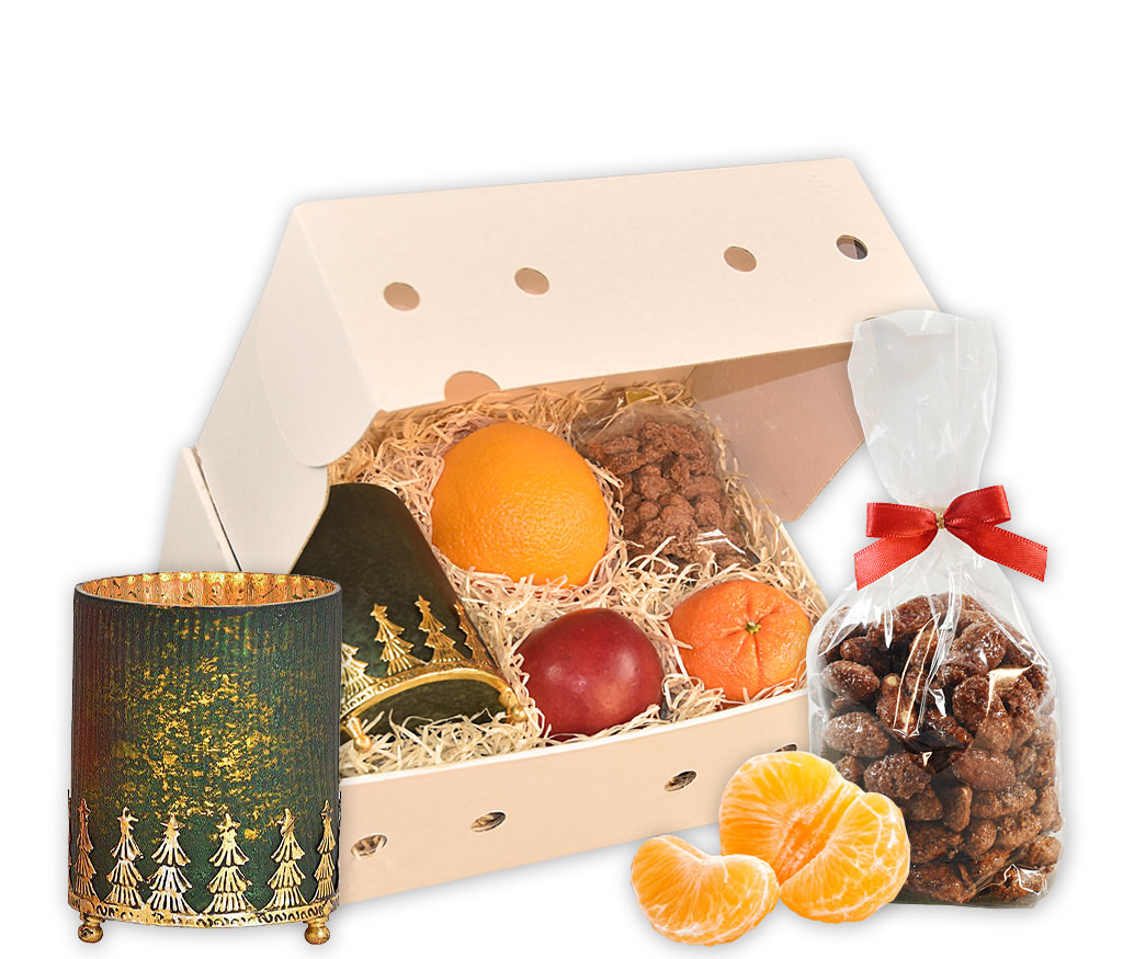 Obstbox mit gebrannten Mandeln, weihnachtlichem Windlicht und frischem Obst