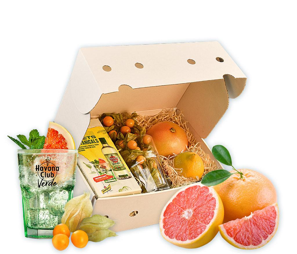 Cocktail-Box mit Havana Club Verde, Tonic, Cocktailglas und frischen Früchten