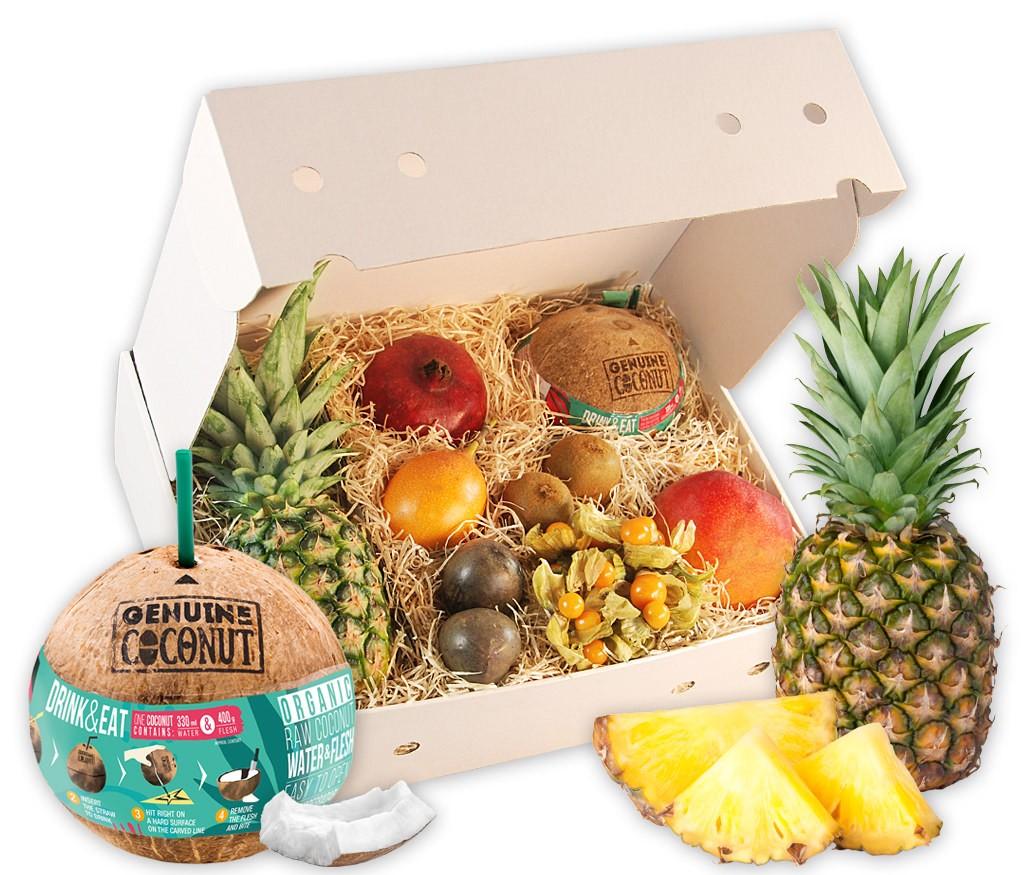 Obstbox Karibik mit Ananas, Flugmango, Granatapfel, Kiwis, Grenadilla, Physalis, Passionsfrüchten und Kokosnuss
