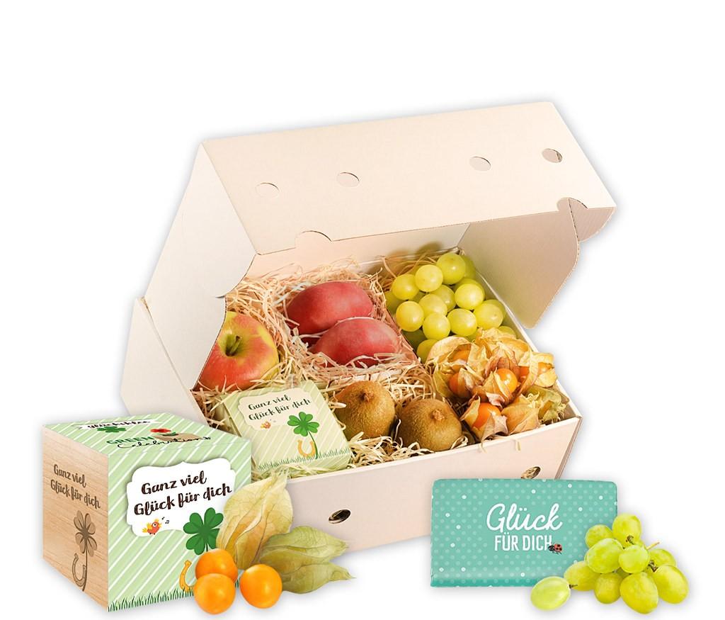 Obstbox Ich wünsch dir viel Glück mit frischen Früchten, Schokoladenherz und Glücksklee und Holzübertopf zum Selber ziehen