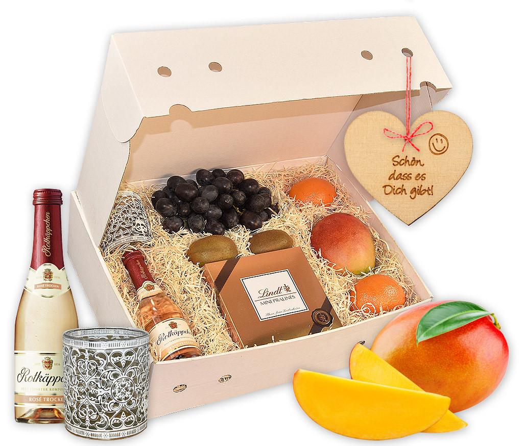 Obstbox Liebste Mama, knackige Frühlings-Früchte  in einer tollen Geschenkbox mit Holzanhän