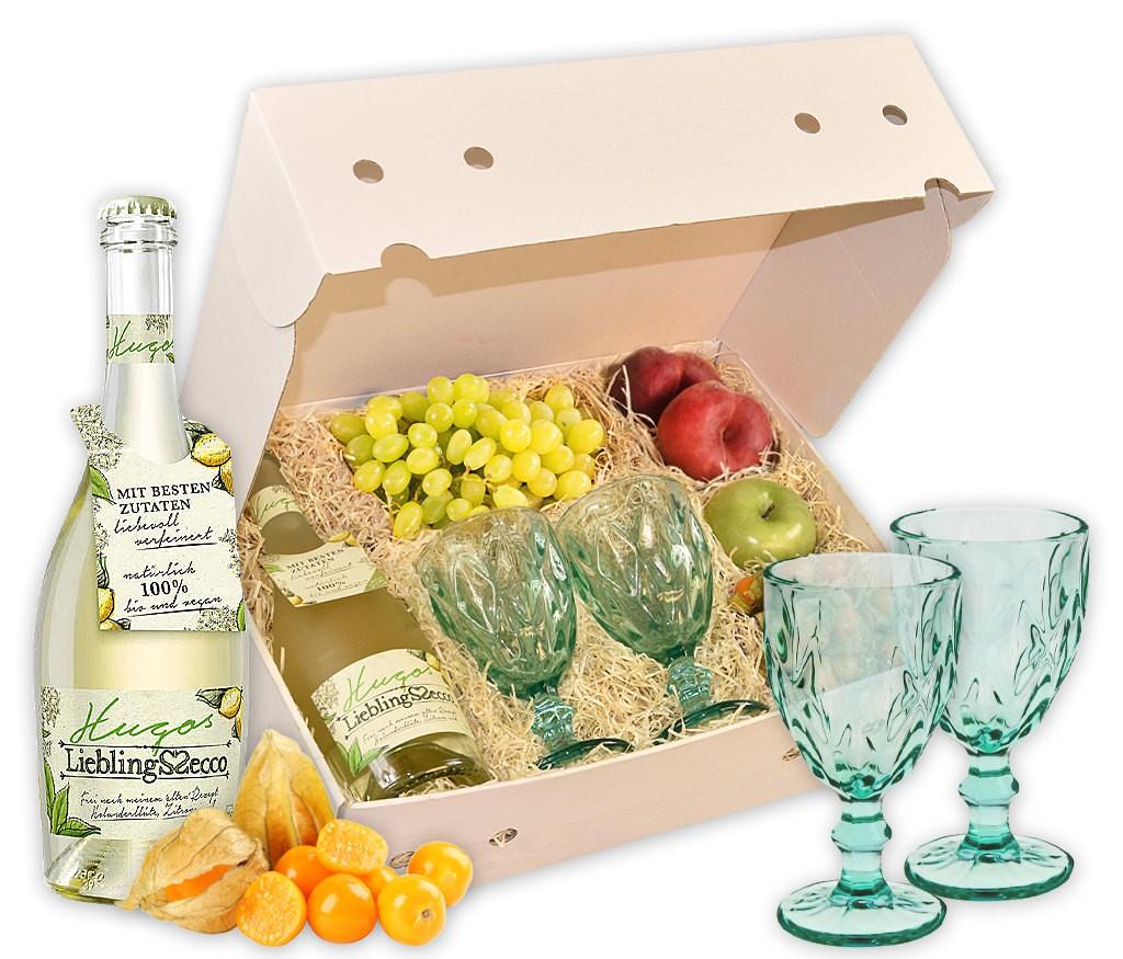 Cocktailbox Hugo mit stilvollen Gläsern, frischem Obst und Hugo