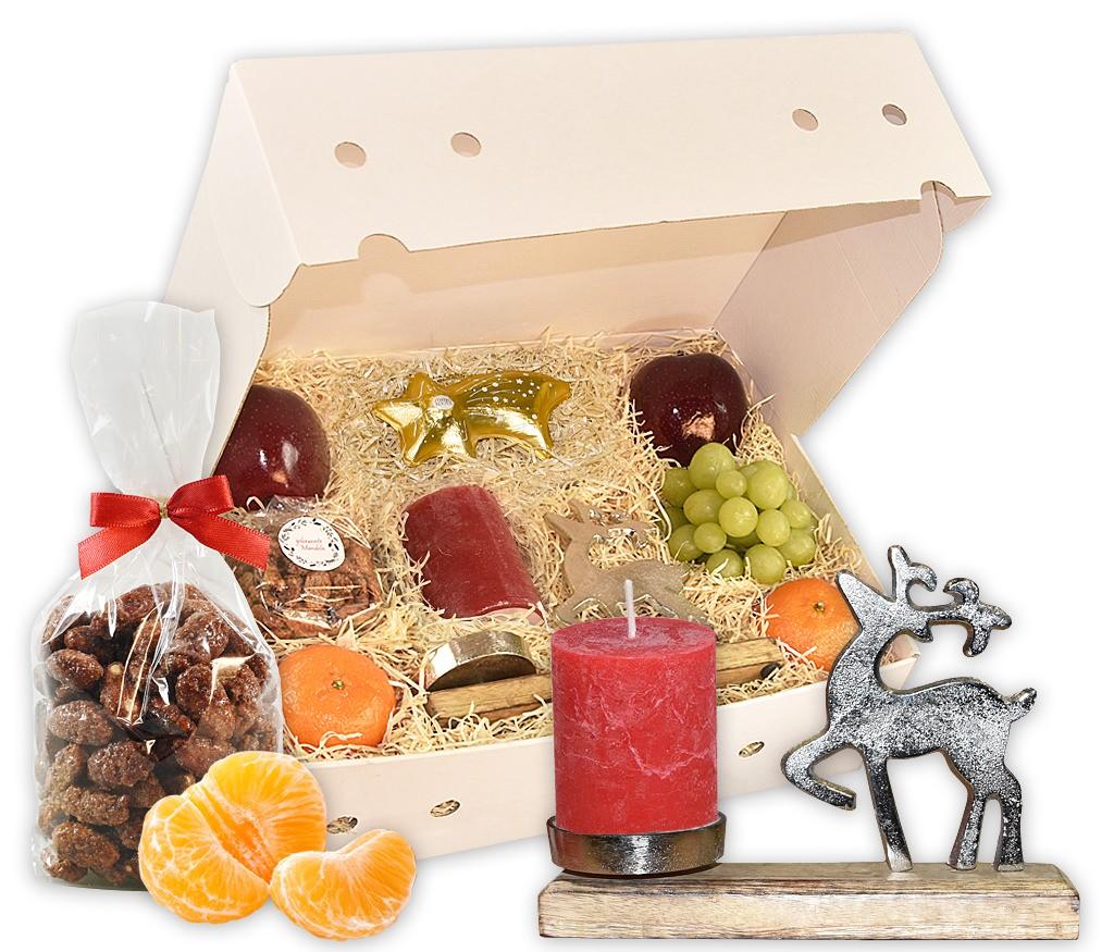 Obstbox Elchzauber mit gebrannten Mandeln, Nusskernen, Lebkuchen einem Metallkerzenhalter mit Elch und frischem Obst