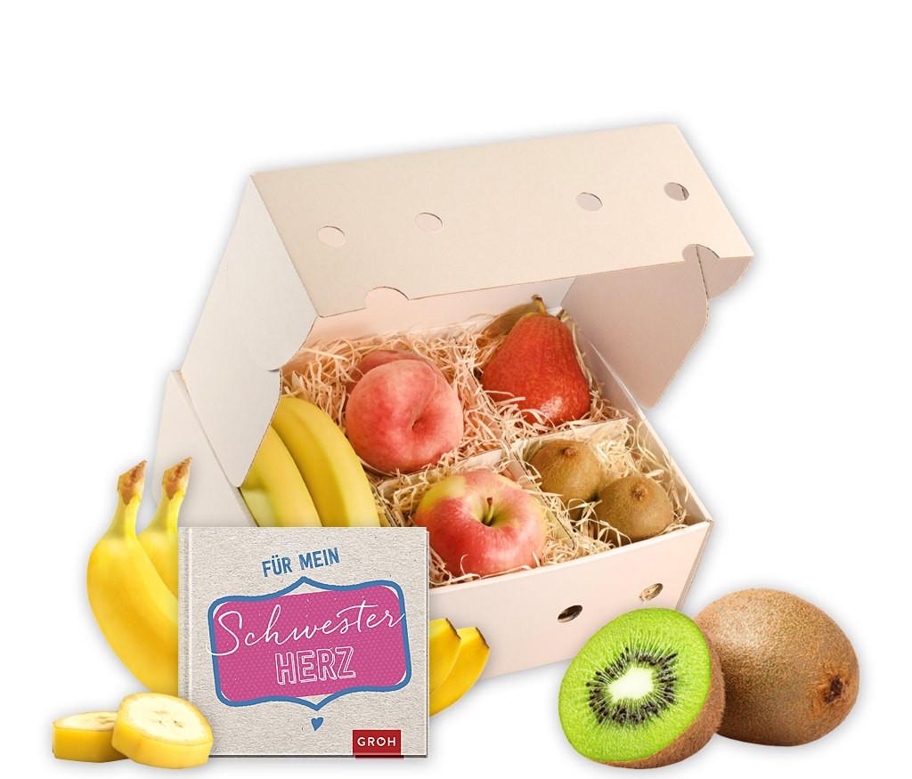 Obstbox Lieblingsschester mit leckeren Früchten, einer Lieblingsschwester-Tasse und aromatischem Früchtetee in einer dekorativen Geschenkbox
