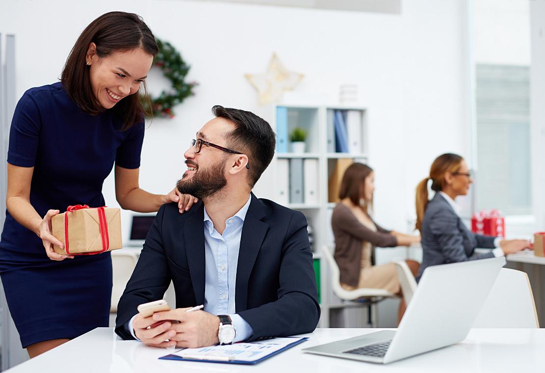 Wie beschenkt man Geschäftspartner und Mitarbeiter steuerbegünstigt?
